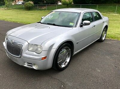 2005 Chrysler 300 Series C 2005 Chrysler 300c hemi 5.7L RUNS GREAT AND LOOKS AMAZING COME GET IT NO RESERVE