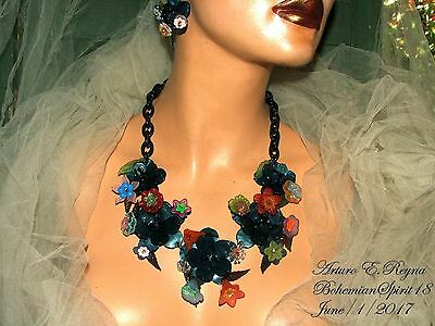 Arturo E.reyna Plastic Lucite Flowers Multi Color Charms Necklace Set