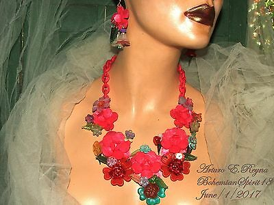 Arturo E.reyna Pink Plastic Lucite Flowers Multi Color Charms Necklace Set