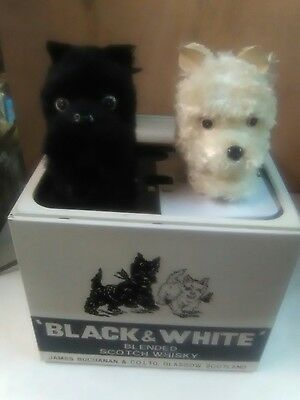 1970's BLACK & WHITE SCOTCH WHISKEY ADVERTISEMENT ANIMATED SCOTTIES TIN BOX RARE