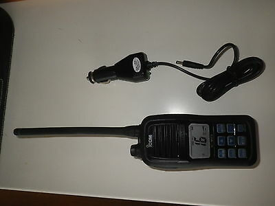 ICOM IC-M23 Floating 5W VHF with    Float' n Flash ( Mint Condition)