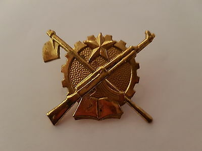 Very rare Republic of Angola Army beret badge Portuguese African war