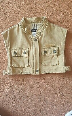 girls burberry cropped sleeveless jacket. age 6..
