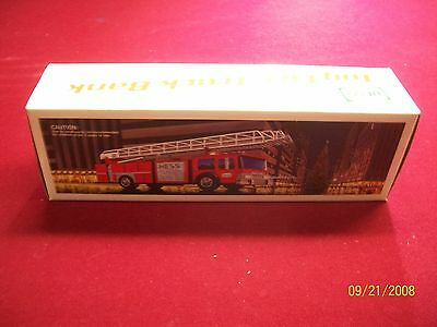 1986 Hess Toy Fire Truck Gold Grill  M.i.b.