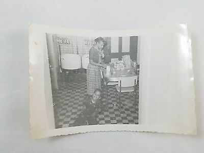 Snapshot Photograph African-American Lady In Kitchen Black & White S01