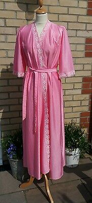 """Vintage 1970s 1960s Long Baby Pink Nylon & Lace Dressing Gown 34"""" - 36"""" 10-12"""