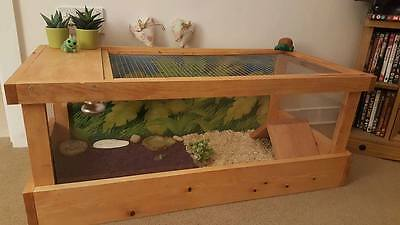 Not Flat Packed Fully Assembled Tortoise Table / Viv With Heat And Uvb Set Up
