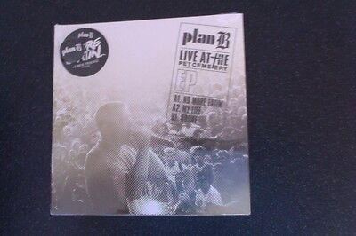 "PLAN B Live At The Pet Cemetery 7"" Vinyl EP No More Eatin' NEW sealed Inc. BADGE"