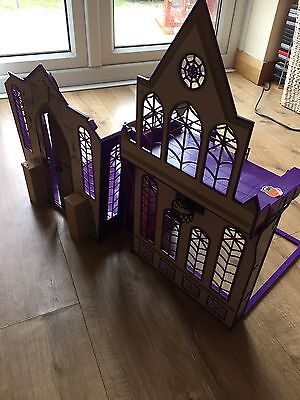 Monster High Dolls House And Doll Bundle Look **