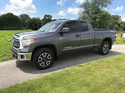 2015 Toyota Tundra  2015 Toyota Tundra TRD Navigation & Off Road Package