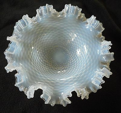 Victorian Opalescent Quilted Diamond Ruffled Brides Bowl