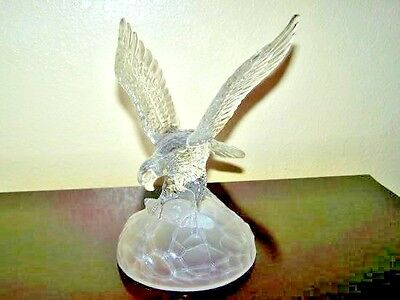 Vintage Majestic Crystal Eagle Figurine With Wings Spread On Frosted Rock Base