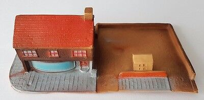 Lone Star Eaglet Series - Shop with Car Park - Gulliver County 1324 - OOO Gauge