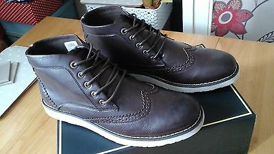 MENS BROWN HIGH TOPS SIZE 10 (new boxed)