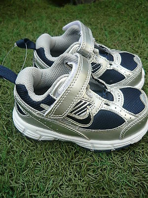 NIKE toddlers shoes Size 5c/11cm BRAND NEW    paa