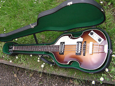 1987-1989 HOFNER 500/1 BEATLE BASS mint condition with case