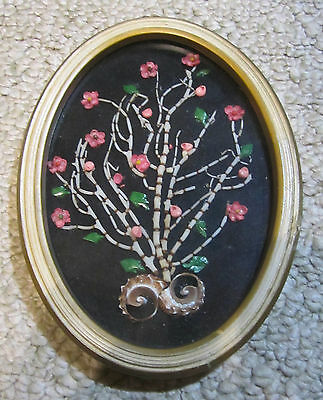 """Vintage Shell Art in 7-3/8"""" by 5-3/8"""" Oval Frame, Intricate and well done, Good"""