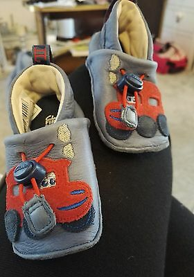CLARKS baby boys blue leather first shoes size 0, little train detail, toggle,