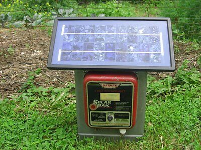 PARMAK SOLAR Pak electric FENCE CHARGER Working USED 6v (needs new battery)