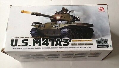 Heng Long - 1/16 Walker Bulldog Light Tank M41A3 Radio Control Boxed