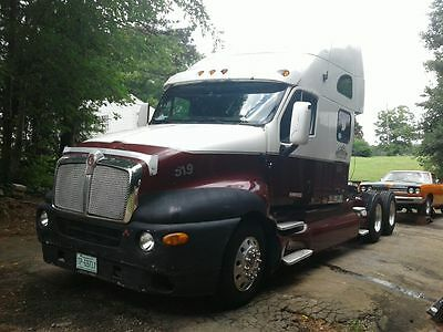 2001 Kenworth T2000 Commercial Truck
