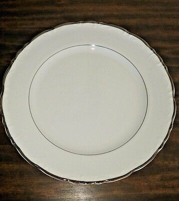 Fashion Royale Fine China Empress Dinner Plate white scalloped Platinum Japan