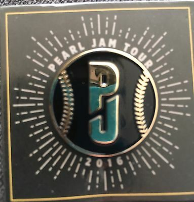 Pearl Jam Pin Fenway Park Boston Wrigley Field Chicago 2016 Red Sox Cubs Black