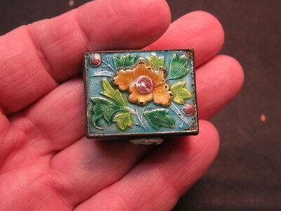 Antique Chinese   enamel Snuff box