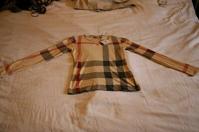 childs burberry top unisex age 9/10