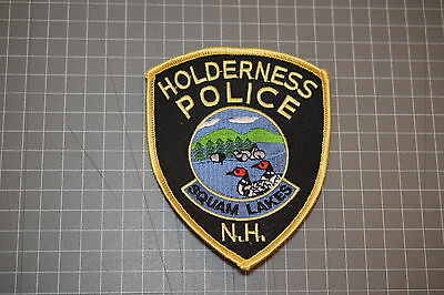 Holderness New Hampshire Police Department Patch (B17-4)