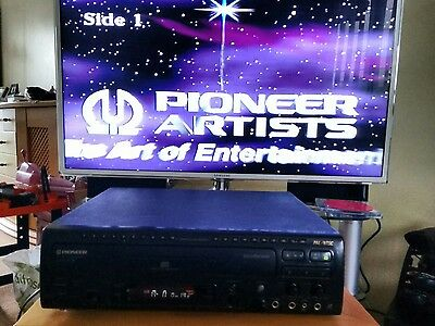 Pioneer CLD-160K cd cdv ld laser player inc.21karaoke laser discs inc song books