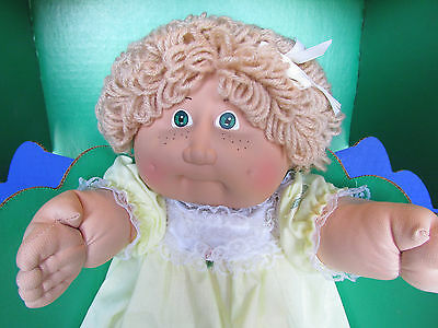 Vintage Cabbage Patch Kids Doll 1983 Black Signature New in Box Janela Annetta