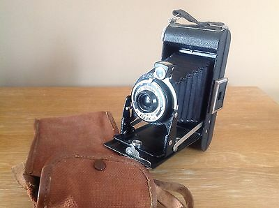 Vintage Folding Brownie Six-20 6-20 Kodak Camera in Case