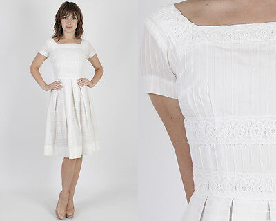 Vintage 50s White Lace Dress Floral Pleated Full Skirt Wedding Cocktail Mini S