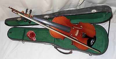 Violin 4/4 Student with case, bow and rosin