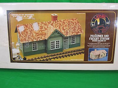 Lionel Passenger & Freight Station Kit G-Scale 8-82107  Large Scale 21X11X9