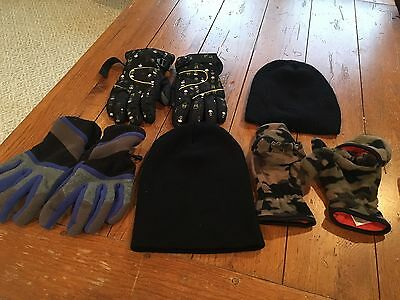 Lot of 5 Boy's Winter Black Hats Beanies & Fingerless Camo Skull Gloves LARGE