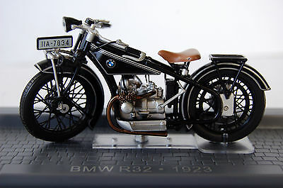 BMW  R32  1/24th  MODEL  MOTORCYCLE