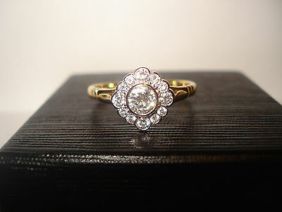18CT Diamond  (0.54tcw) Daisy Art Deco style cluster ring vintage