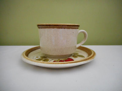 Mikasa Cup & Saucer Stone Manor Luscious F5809 Strawberries & Floral Japan