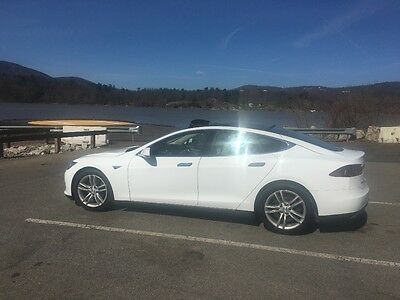 2015 Tesla Model S Premium interior package with grey leather seats Tesla Model S 85