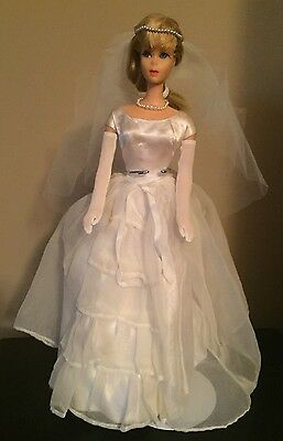 Extremely RARE Vintage Japanese Exclusive Barbie Wedding Dress w/Accessories