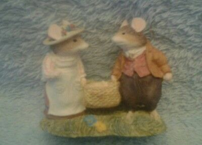 Brambly Hedge,lord And Lady Woodmouse With Basket Bhf08