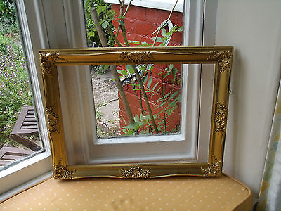 "FRENCH ANTIQUE STYLE GILT PICTURE FRAME 20""x16"" (AT66)"