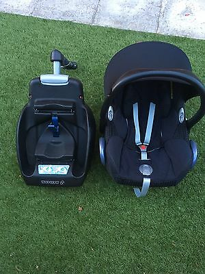 Maxi Cosi Pebble New Born Car Seat With Easy Fit Base