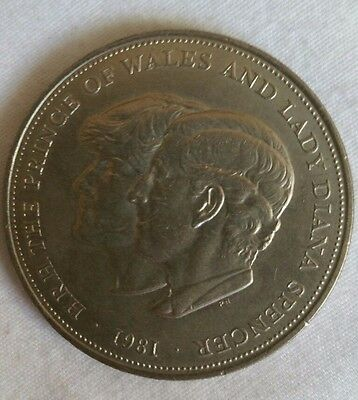 1981 prince of wales and lady diana coin (x160)