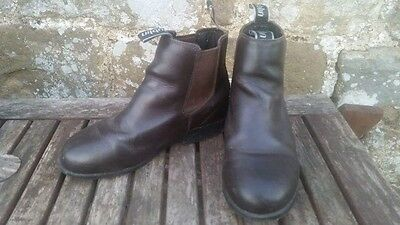 childs riding jodphur boot size 3 brown