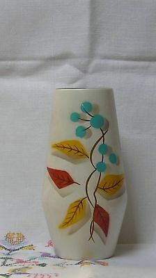 Vintage pottery vase Made in England no 1073.