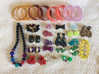 Vtg Plastic Lucite Jewelry Lot 1940s-1980s Bangles Brooches Novelty