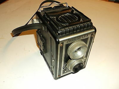 Vintage Spartus Box Camera, Made in U.S.A. Spartaflex   100mm/ f7.7 / f22  lense